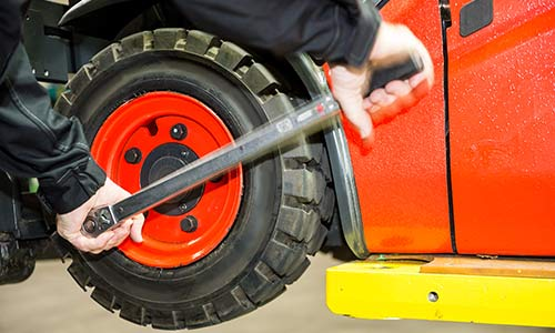 Global Material Handling Equipment Tire Market 2019- Camso, Titan, Continental, Trelleborg, Michelin